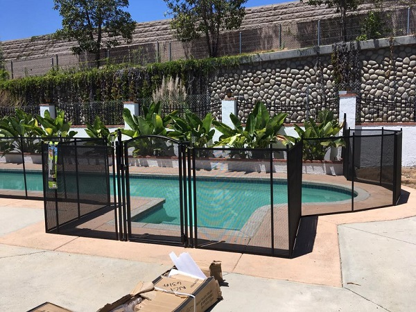 fence with a pool gate